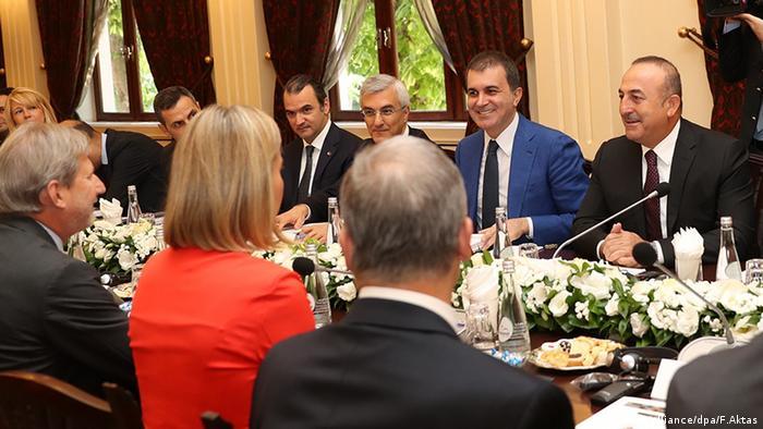 Mogherini ve Hahn Eylül 2016'da Türkiye'de temaslarda bulunmuştu.