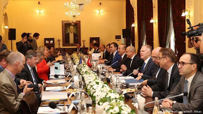 EU Türkei Mogherini und Hahn in Ankara