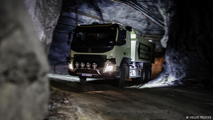 A self-driving truck in a tunnel (VOLVO TRUCKS)