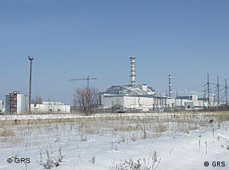 A usina de Tchernobil, na Ucrânia, vinte anos após a explosão do reator nuclear