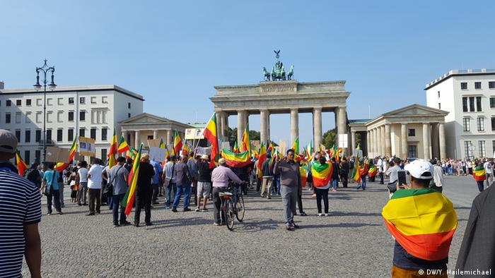 Germany Berlin - Ethiopians demonstrate againt human rights abuse (DW/Y. Hailemichael)