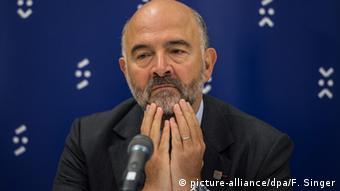 Slowakei Bratislava -Pierre Moscovici beim Informellen Treffen der EU Finanzminister (picture-alliance/dpa/F. Singer)