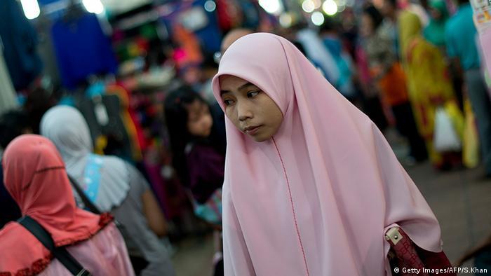 Frauen Gesichtsschleier Verschleierung Tudung Indonesien