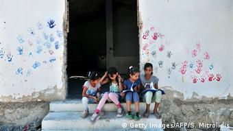 Παιδιά στο κέντρο υποδοχής προσφύγων στα Λαγκαδίκια Θεσσαλονίκης