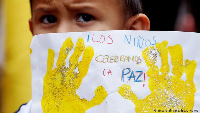 El Gobierno de Santos pidió severo castigo para el autor de la violación y asesinato de una niña desplazada por el conflicto, en un caso que conmociona al país y que ha originado manifestaciones callejeras de protesta. 06.12.2016