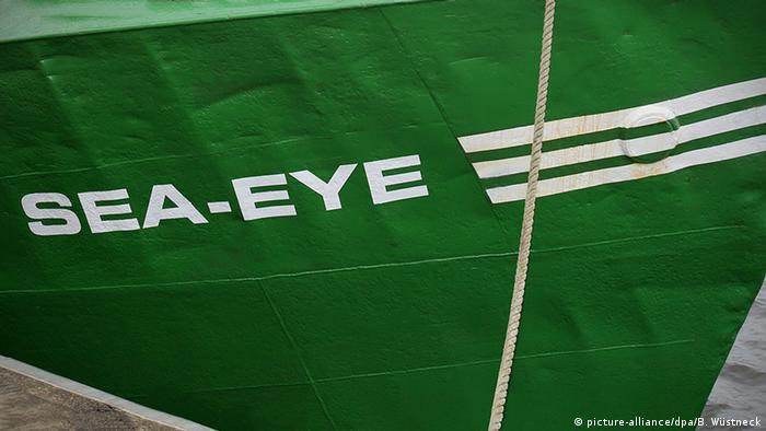 Sea-Eye Rettungsorganisation Schiff Schriftzug