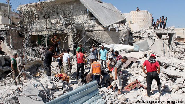 Syrien Aleppo Luftangriff Trümmer