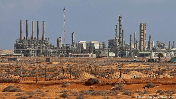 Libya'nın en büyük petrol rafinerilerinden Ras Lanuf
