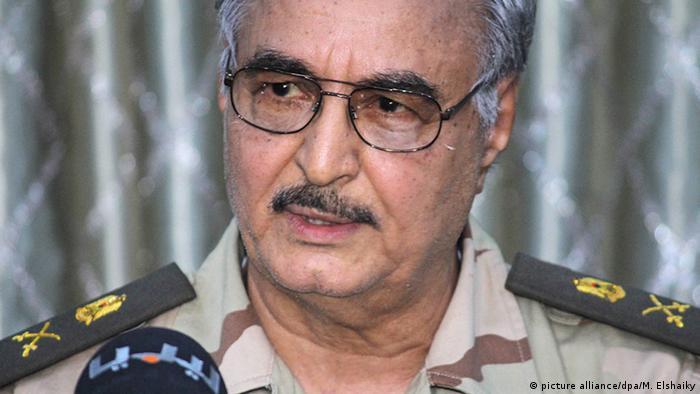 Libyen General Khalifa Haftar (picture alliance/dpa/M. Elshaiky)
