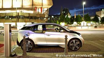 Παρά τις φρολογικές ελαφρύνσεις οι Γερμανοί δεν προτιμούν τα ηλεκτρικά οχήματα