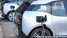 Leipzig elektrische BMW i3 an Ladesäulen