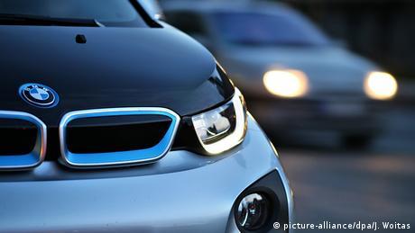 Leipzig elektrischer BMW i3 (picture-alliance/dpa/J. Woitas)