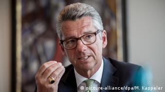 O πρόεδρος του Συνδέσμου Γερμανικών Βιομηχανιών Ούλριχ Γκρίλο εκτιμά ότι η ξενοφοβία προκαλεί μεγάλη ανασφάλεια σε δυνητικούς επενδυτές