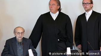 Deutschland Hubert Z. ehemaliger SS-Sanitäter in Auschwitz im Gerichtssaal in Neubrandenburg
