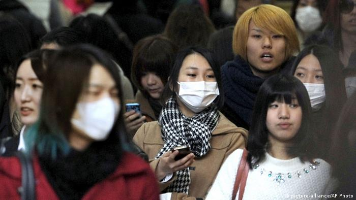 Japan Atemschutzmasken (picture-alliance/AP Photo)