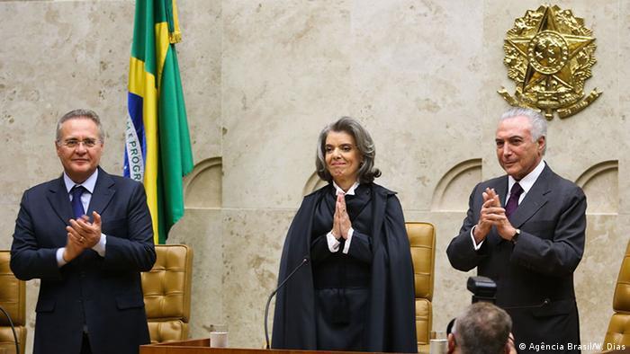 Presidente do STF, Cármen Lúcia, ao lado do presidente do Brasil, Michel Temer, e do presidente do Senado, Renan Calheiros