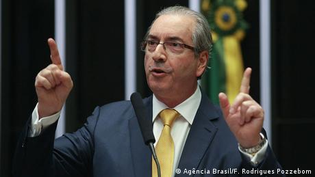 Eduardo Cunha, expresidente de Cámara de Diputados e impulsor de destitución de Dilma Rousseff, es investigado por la operación Lava Jato. Patrimonio de Cunha escondido en Suiza sería de 7,5 millones de reales. (19.10.2016)