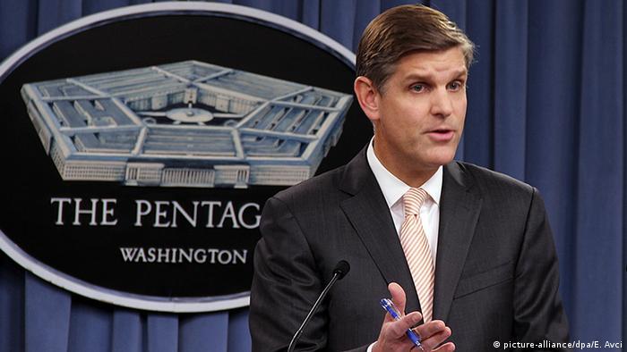 Peter Cook Pressekonferenz Pentagon Washington USA