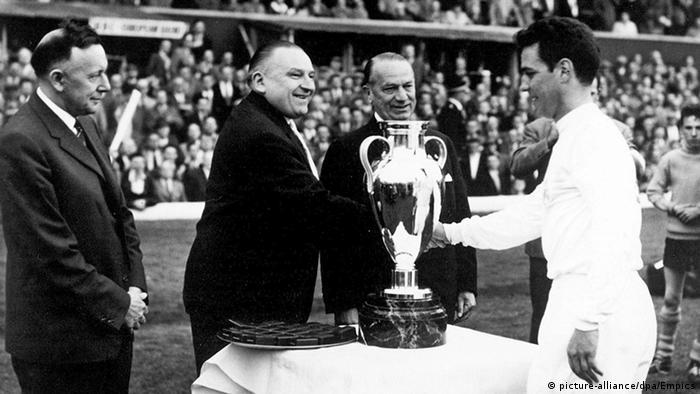 Real-Kapitän Jose Zarraga Ebbe Schwartz Endspiel im Europapokal