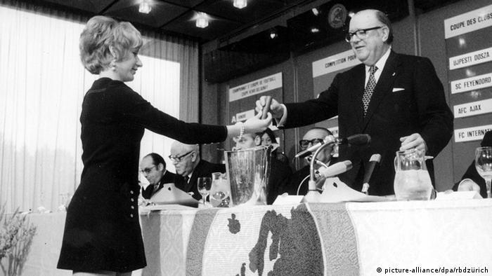 Gustav Wiederkehr Der Schweizer UEFA-Präsident Zürich
