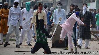 Indien Protesten in Kashmir (picture-alliance/Pacific Press/U. Asif)