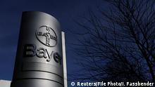 Deutschland Firmenlogo der Bayer AG in Wuppertal