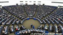 14.07.2016++++++++ epa05538796 President of the European Commission Jean-Claude Juncker (C, front) delivers the annual State of The European Union speech in the European Parliament in Strasbourg, France, 14 September 2016. EPA/PATRICK SEEGER +++(c) dpa - Bildfunk+++ Copyright: picture-alliance/dpa/P. Seeger