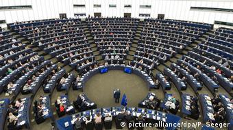 Οι δεσμεύσεις της Ελλάδας απέναντι στην ΕΕ είναι ξεκάθαρες δήλωσε η εκπρόσωπος της Κομισιόν.