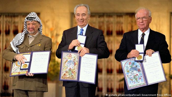Norwegen 1994 Friedensnobelpreis - Arafat & Peres & Rabin (picture-alliance/dpa/Israeli Government Press Office)