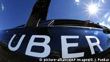 12.9.2016 *** A self driving Uber sits ready to take journalists for a ride during a media preview in Pittsburgh, Monday, Sept. 12, 2016. (AP Photo/Gene J. Puskar) Copyright: picture-alliance/AP Images/G. J. Puskar