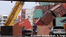 Taiwan Kaohsiung Taifun Meranti umgestürzte Container