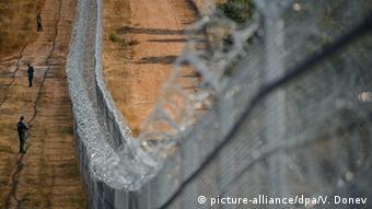 Η Βουλγαρία έχει βάλει σύρματοπλέγματα στα σύνορά της