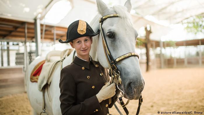 Spanish Riding School in Vienna (picture-alliance/dpa/C. Bruna)