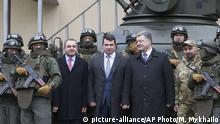Ukraine Artem Sytnyk Leiter Nationales Antikorruptionsbüro neben Poroschenko