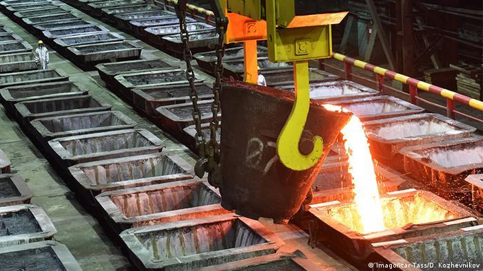 Produksi nikel oleh Norilsk Nickel di Rusia.