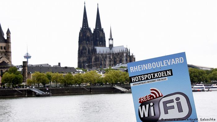 Köln kostenloses W-Lan in Deutz (picture-alliance/dpa/H. Galuschka)