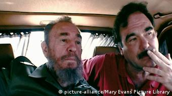 Fidel Castro and Filmmaker Oliver Stone (picture-alliance/Mary Evans Picture Library)