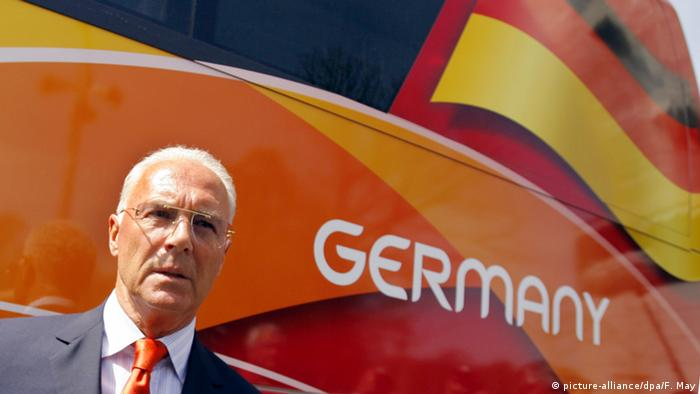 Franz Beckenbauer Vorsitz Organisationskomitee WM 2006 (picture-alliance/dpa/F. May)