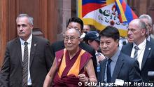 15.09.2016 ++++ Tibetan Spiritual leader, the Dalai Lama (C) speaks during a visit at the city hall in Strasbourg, northeastern France, on September 15, 2016. The Dalai Lama is on a six-day visit to France for the first time in five years. / Copyright: Getty Images/AFP/P. Hertzog