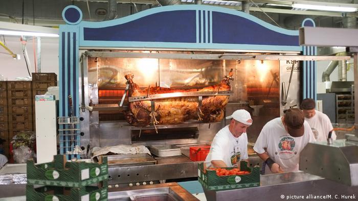 Oktoberfest tem tenda do boi no espeto