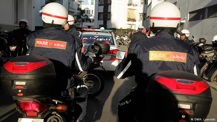 Marokko Polizist mit Helmkamera