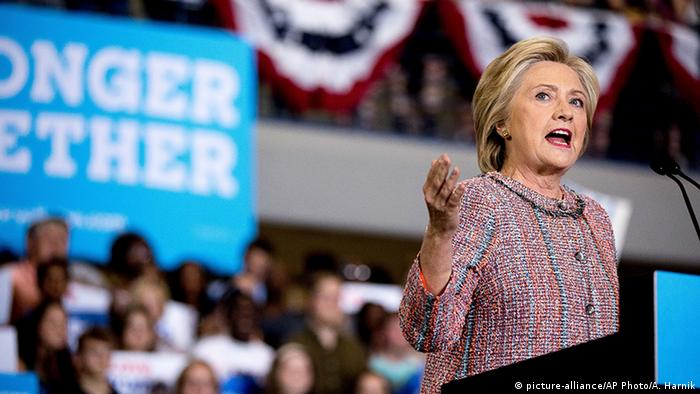 USA Hillary Clinton Rede in North Carolina (picture-alliance/AP Photo/A. Harnik)