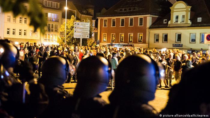 Bautzen Kornmarkt Polizei vs rechtes Spektrum