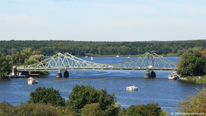 Глиникский мост на реке Хафель в Потсдаме