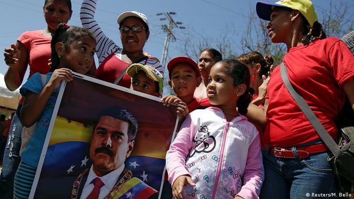 Venezuela Demonstration für Maduro in Porlamar