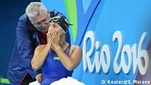 Rio_Paralympics_Momente_16_09 +++ 2016 Rio Paralympics - Swimming - Women's 50m Backstroke - S5 - Aquatic Stadium - Rio de Janeiro, Brazil - 16/09/2016. Teresa Perales of Spain reacts +++ (C) Reuters/S. Moraes