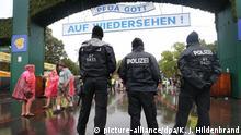 Deutschland Oktoberfest in München Eröffnungstag Sicherheit (picture-alliance/dpa/K. J. Hildenbrand)