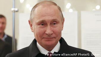 Russland Parlamentswahlen Stimmabgabe Putin
