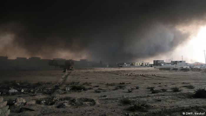 Irak - Brennende Ölquellen (DW/F. Neuhof)