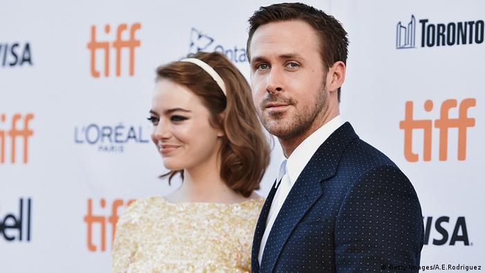 El nostálgico musical La La Land, dirigido por Damian Chazelle y protagonizado por Emma Stone y Ryan Gosling, parte como favorito a los Oscar con un total de 14 nominaciones, igualando a All About Eve y Titanic. (24.01.2017)